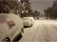 Oct. 2 25 cm (10 in.) snow wallops Calgary, breaking record with more expected.