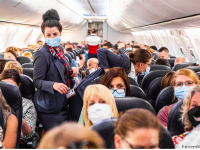 Some planes are full; others are half empty. Credit: Picture Alliance